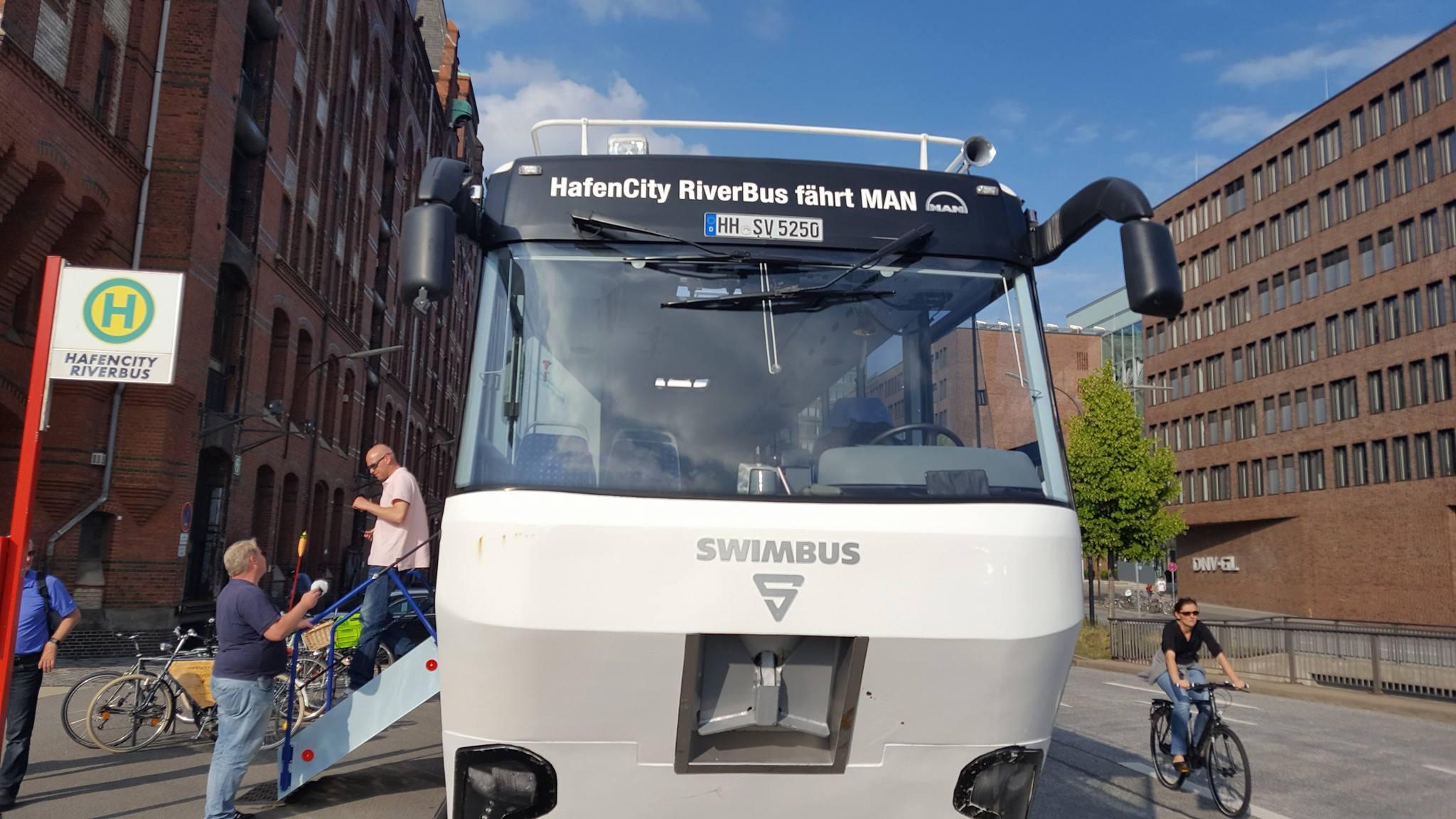 hafencity riverbus 4 crazy station. Black Bedroom Furniture Sets. Home Design Ideas